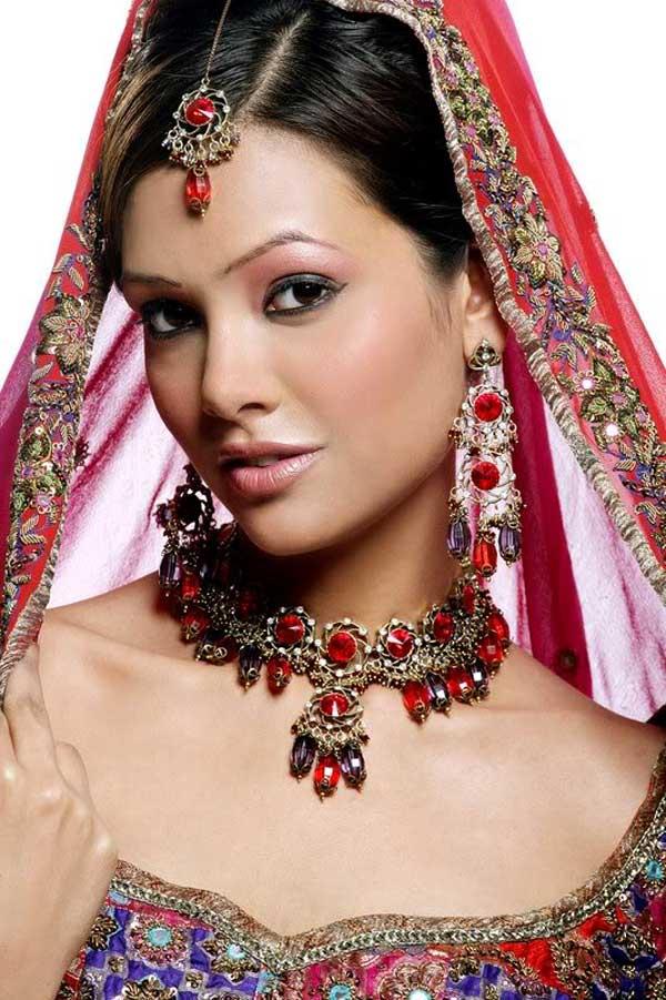 Esha Gupta Hot Wallpaper, Images, Photos Free Download -3483