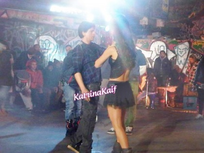 Katrina Kaif With Shahrukh In Black Short Hot Dress
