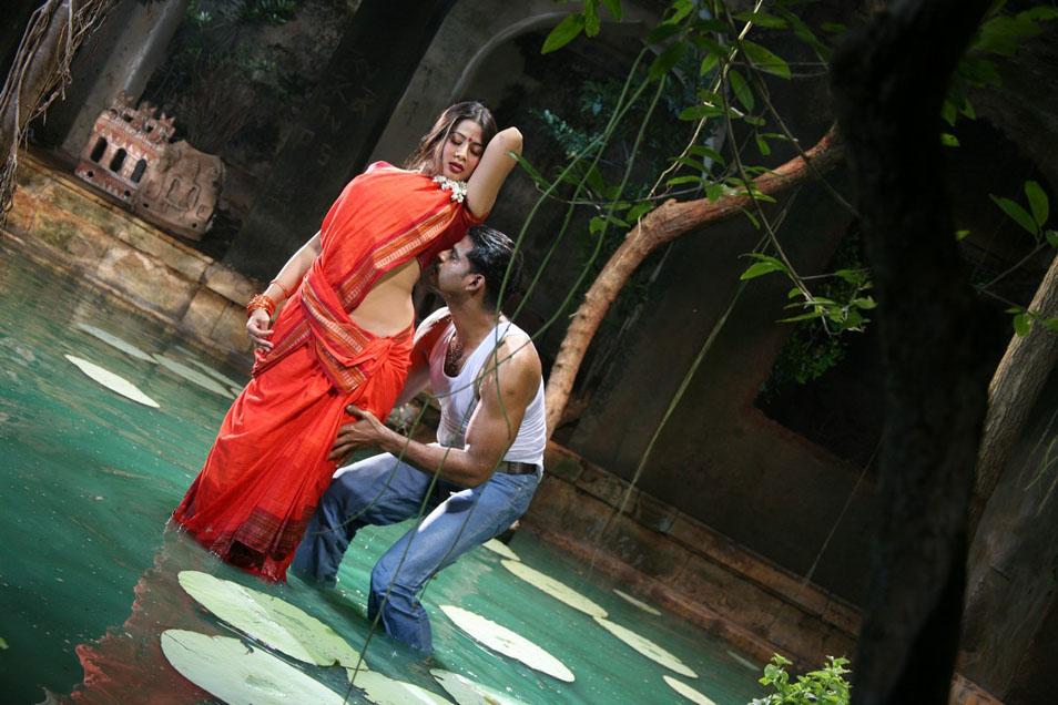 Telugu Actress Sangeetha Hot Scenes In Movie Dhanam  5Abi -9990