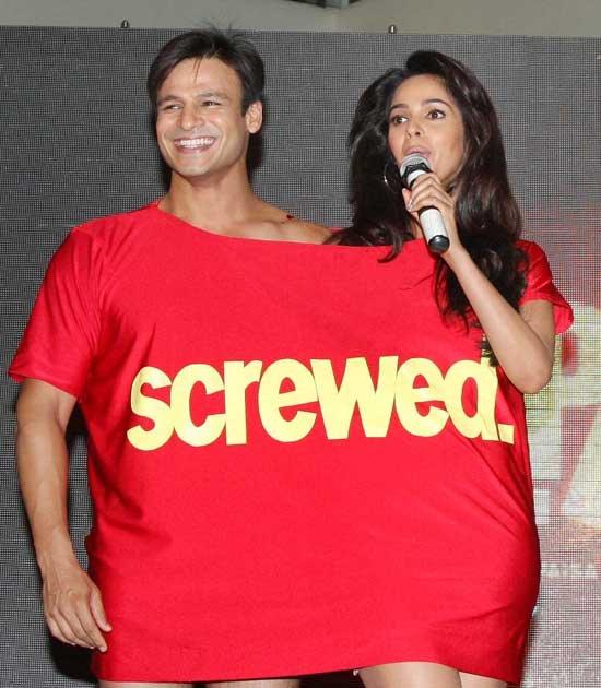 Vivek Oberoi Shares His T-Shirt With Mallika Sherawat?