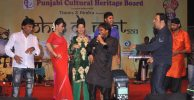 Raji-Shrivastav,-Harbhajan-Singh,-Vindu-Dara-Singh-and-Salim-are-dancing-at-Lohari-Di-Raat