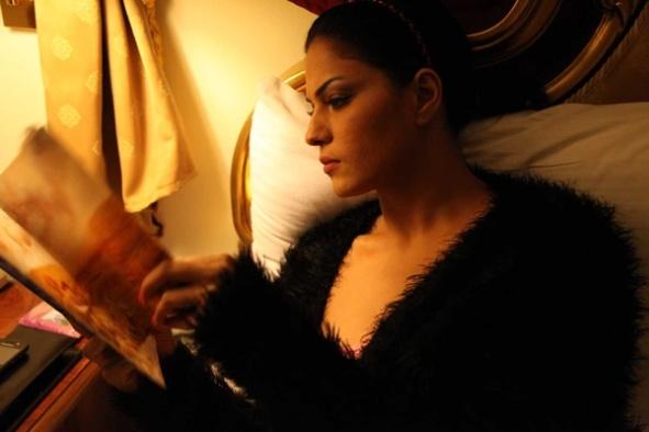 Veena Maliki Reading Bhagavad Gita