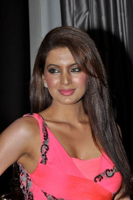 Geeta Basra's Latest Hot wallpapers